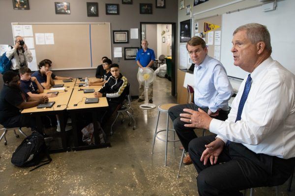 Bennet, Vilsack Pay Visit to Central Campus's IESA
